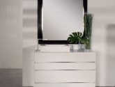 lacava_la-scala-free-standing-vanity_with-metal-trim_four-drawers-and-base-in-polished-stainless-steel_w-47-1-4-x-d-20-x-31-5-8-in-_de100